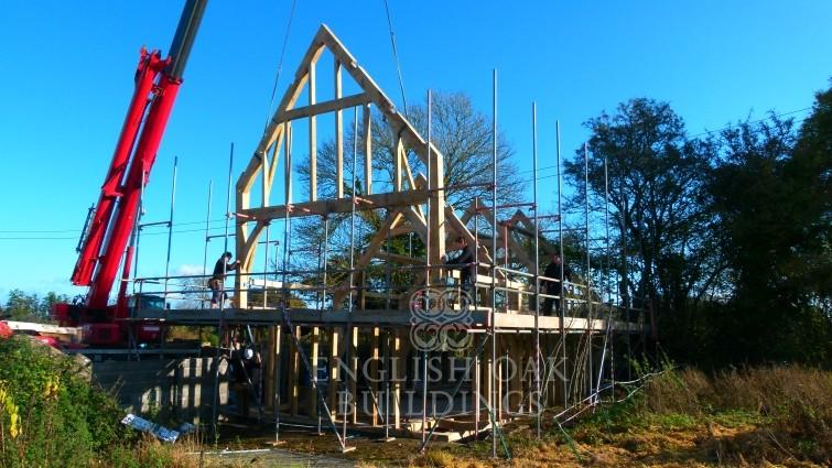 Oak Frame erection with crane -cropped