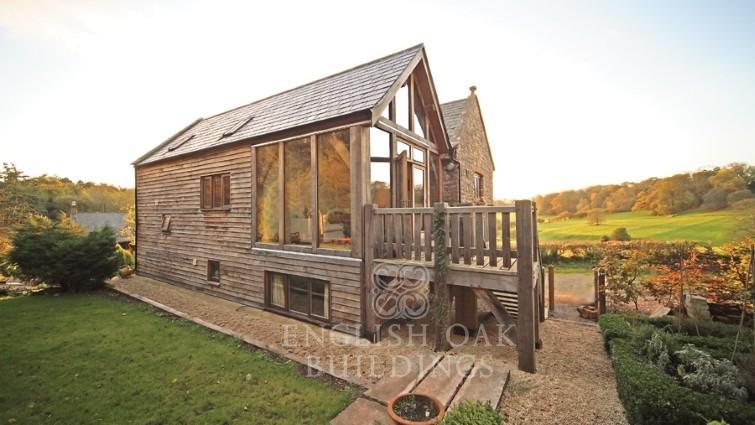 Warren Coach House, Green oak timber frame house