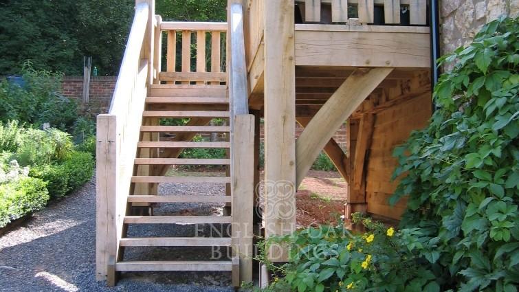 Oak stairs, external