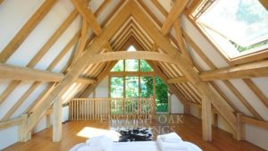 Oak garden room, annex accommodation with oak trusses, fixed glazing